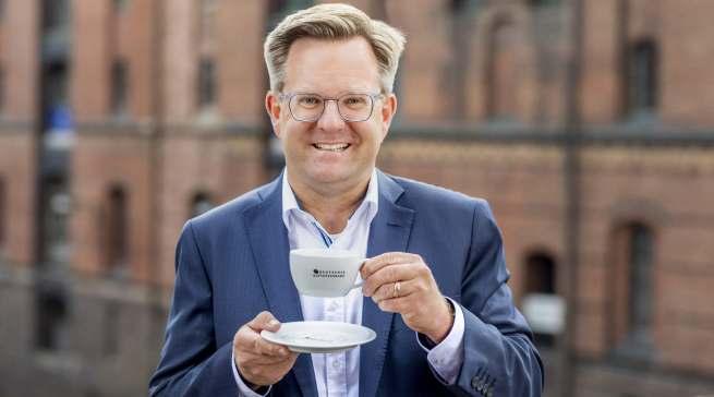 """""""Kaffee ist in der Corona-Zeit das Lieblingsgetränk geblieben. Wir sind sehr zuversichtlich, dass Kaffee auch nach der Krise gern und mit Genuss konsumiert wird"""", Holger Preibisch. Fotos: Deutscher Kaffeeverband"""