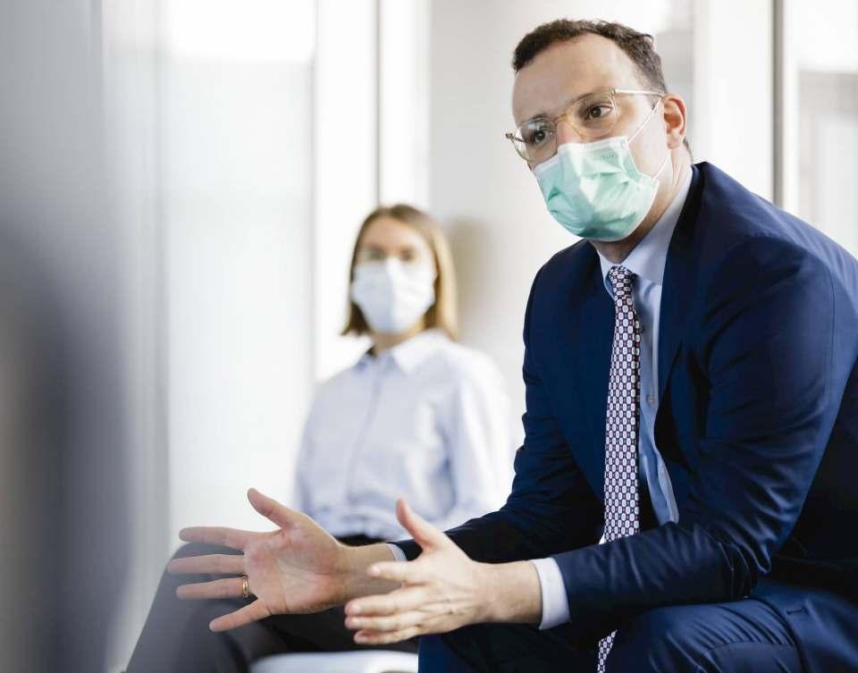 """""""Wir können Schritt für Schritt zurück in den neuen Alltag"""", Gesundheitsminister Jens Spahn."""