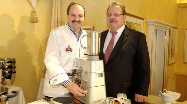 Zwei, die sich in den vergangenen zehn Jahren oft begegnet sind: Helmut Geltner und TV-Koch-Ikone Johann Lafer.