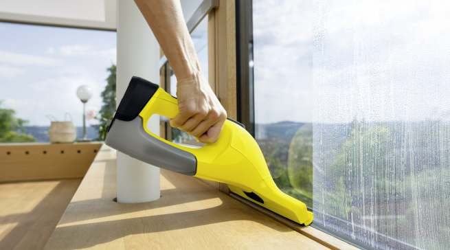 Der WV 6 von Kärcher verspricht ein bequemeres wie effektiveres Fensterputzen.
