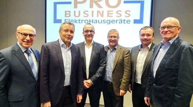 Der alte und neue Vorstand von ProBusiness im Frühjahr 2018 (v.l.): Heinz Werner Ochs, Peter Wildner, Jan Recknagel, Heinz Götz, Thomas Schwamm und Berthold Niehoff.
