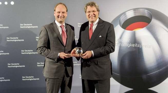 Dr. Reinhard Zinkann, Miele Gesellschafter (aus infoboard.de, KW 30-2011). Unser Foto aus dem Jahr 2014 zeigt Dr. Reinhard Zinkann (rechts) zusammen mit Dr. Markus Miele.