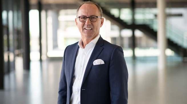 """Michael Rambach, Gründer/Gesellschafter von Trendfairs: """"Der Küchenhandel braucht neue Impulse. Die Verbraucher schichten ihre verfügbaren Mittel zugunsten der häuslichen Innenausstattung um. Nicht zuletzt dank dieses Nachfragesogs wird die digitale Variante der area30 einen wertvollen Impuls leisten."""""""
