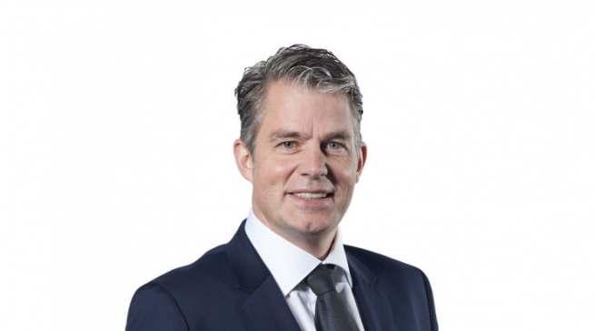 Jens-Christoph Bidlingmaier begrüßt interessierte Händler zu einem virtuellen Rundgang.