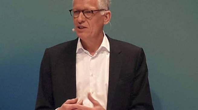 """""""Die Pandemie hat definitiv als Beschleuniger für unser Online-Geschäft gewirkt"""", Ceconomy-CEO Bernhard Düttmann."""