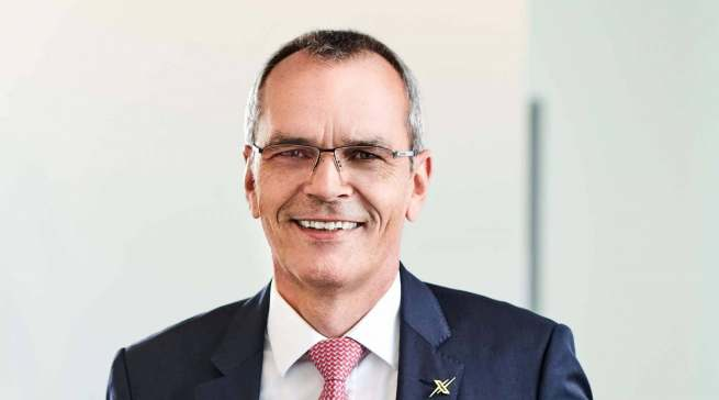 """""""Wir blicken mit Zuversicht in die Zukunft"""", Dr. Stefan Müller (Vorstandsvorsitzender expert, verantwortlich für IT und Logistik)."""
