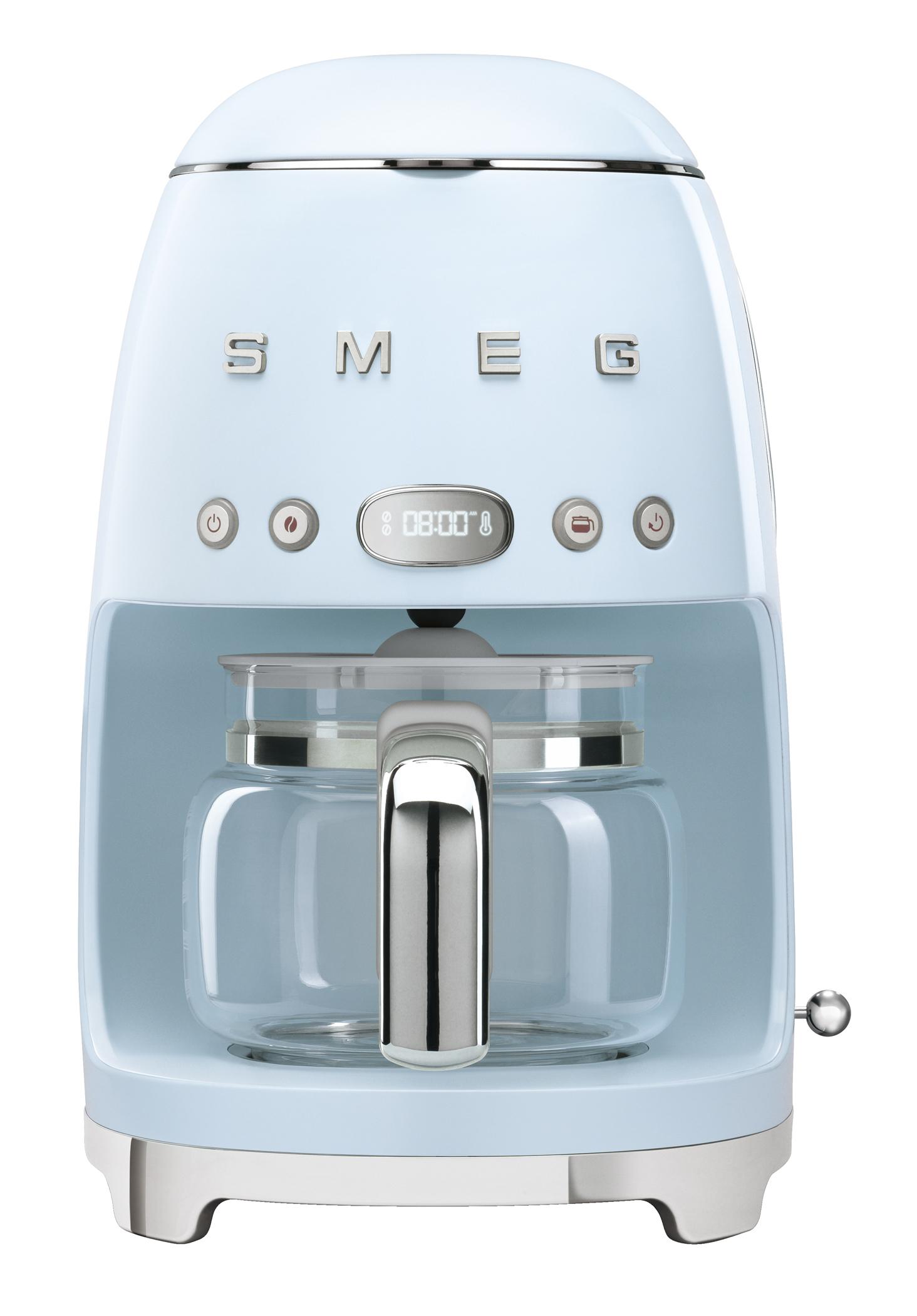 <h1>Smeg Filterkaffeemaschine DCF02</h1><h3 style='font-size: 20px; margin: 0px 0px 15px 0px;'> -Metallgehäuse, Dauerfilter, Stil der 50er Jahre</h3>