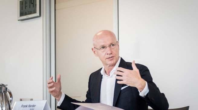 """""""Wir bieten den Kunden Mehrwerte, die weit über das reine Produkt hinausgehen"""", Frank Harder (Vorstand für Vertrieb, Marketing und E-Commerce)."""