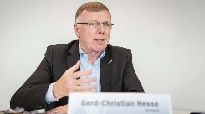 """""""Die Mitarbeiter sind unser Schlüssel zum Erfolg"""", Gerd-Christian Hesse (Vorstand für Finanzen, Personal und Versicherung)."""