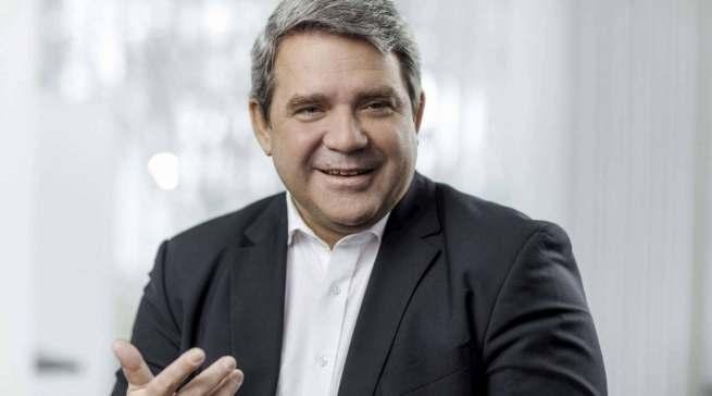 """""""Erfahrene Branchenkenner, die bestens mit der Marke vertraut sind, sehen ihre erfolgreiche unternehmerische Zukunft bei Medimax"""", so ElectronicPartner-Vorstand Friedrich Sobol."""