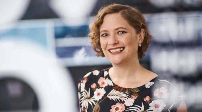 """""""Unsere Kühlgeräte arbeiten noch leiser als ihre Vorgänger und bieten mehr Platz als je zuvor"""", Diana Diefenbach, Head of Retail and Communication, Samsung."""