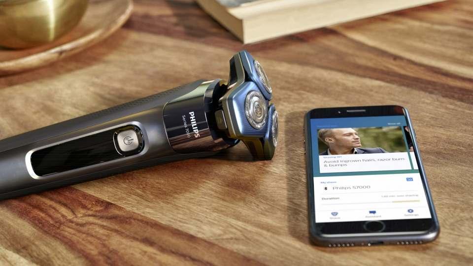 Philips Rasierer S7000 mit SkinIQ Technologie.