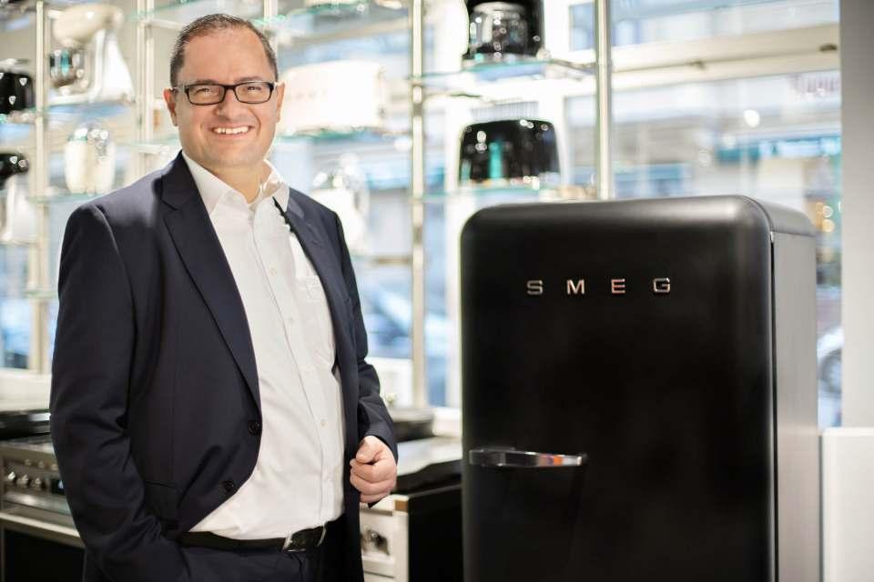 Robert Tsanakaliotis ist neuer Vertriebsleiter bei Smeg Deutschland.