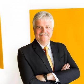 """""""Wenn wir hier jetzt nicht gegensteuern, fährt der stationäre Einzelhandel gegen die Wand"""", sagt ZIA-Präsident Dr. Andreas Mattner."""
