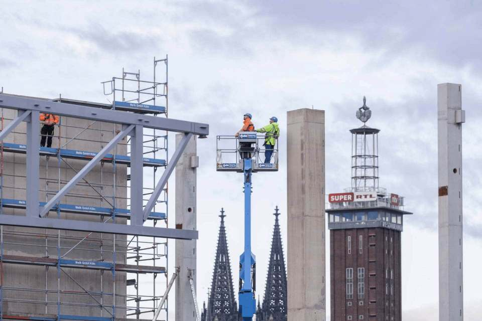 Die Messelandschaft ist, bedingt durch Corona wie die Digitalisierung, im Umbruch. Unser Bild zeigt den Neubau der Halle 1+ in Köln.