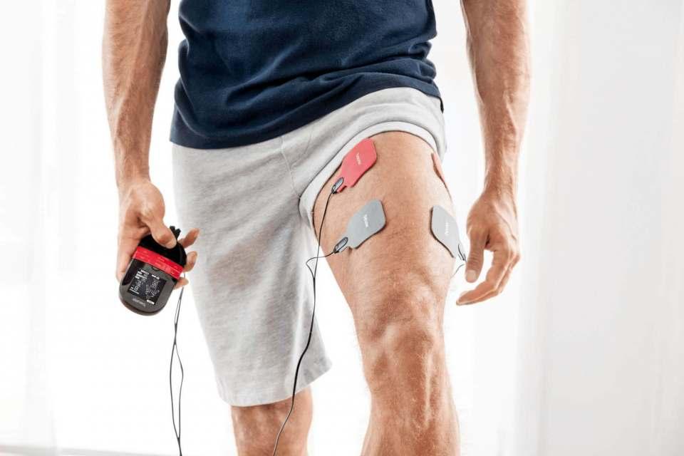 Beurer lindert Schmerzen per Elektrostimulation.