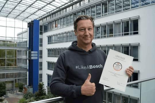 """""""Zu wissen, dass unsere Bemühungen um maximale Unterstützung der Menschen im Alltag wahrgenommen und wertgeschätzt werden, motiviert uns enorm"""", Harald Friedrich, Geschäftsführer Bosch Hausgeräte."""