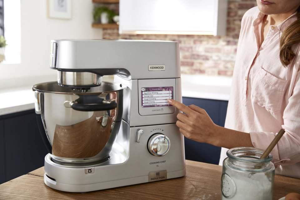 Kenwood Küchenmaschine Cooking Chef XL mit Kochfunktion.