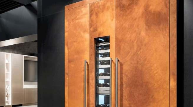 Mit der Erweiterung der Monolith-Reihe können Weinliebhaber ihren Vorrat nicht nur optimal lagern und effizient kühlen, sondern auch stilvoll präsentieren.