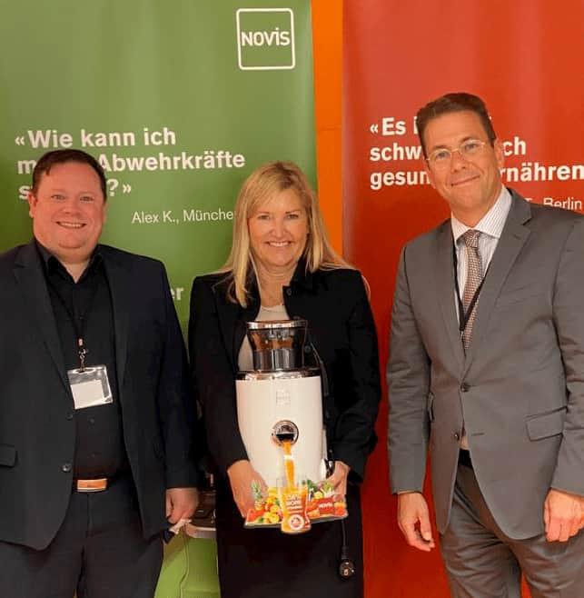 Präsent auf der EK: Novis Handelsvertreter für Niedersachsen Bodo Klink, Ehrenfried und Weber Werksvertretungen, Iris Weber und Vertriebsdirektor Lars Richter.