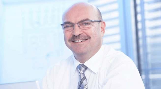 Ein Branchen-Urgestein geht in den Ruhestand: Zum 1. Mai 2021 verabschiedet sich Franz Schnur von der telering.