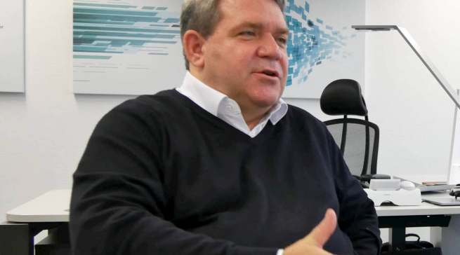 """""""Sollte es nicht zu erneuten massiven Einschränkungen in Form eines zweiten Lockdowns oder Ähnlichem kommen, werden wir die Umstrukturierung von Medimax bis Mitte 2021 abgeschlossen haben"""", ElectronicPartner Vorstand Friedrich Sobol."""