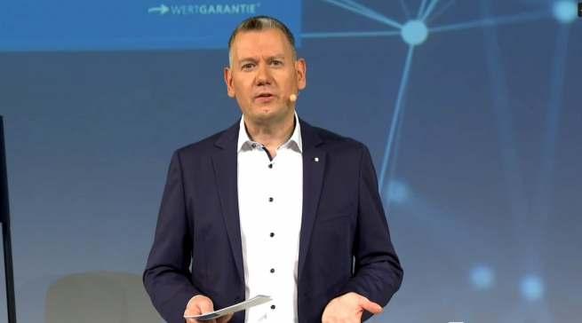 Wertgarantie Vertriebsleiter Thilo Dröge begrüßte die über 250 Teilnehmer des 52er Chancen Treffs.