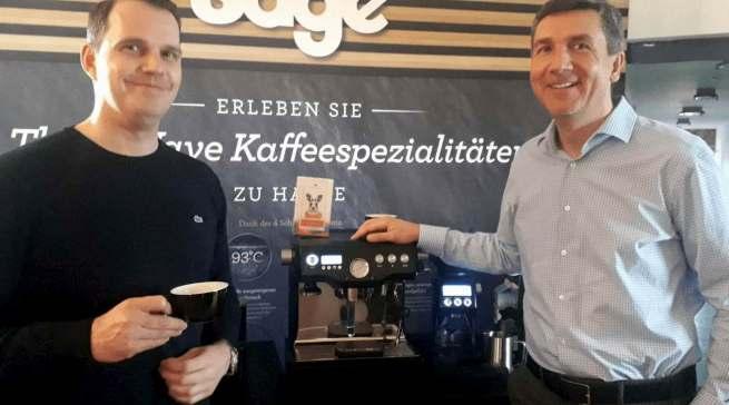"""Sie """"rocken"""" die """"Third Wave"""" bei Sage: Kaffee-Experte Michael Jazwicki (l.) und Geschäftsführer Gerd Holl."""