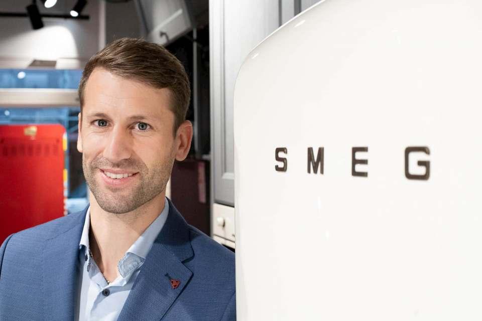 Dominic Rekofsky hat als Leiter für After Sales Service den Kundendienst von Smeg neu aufgestellt.