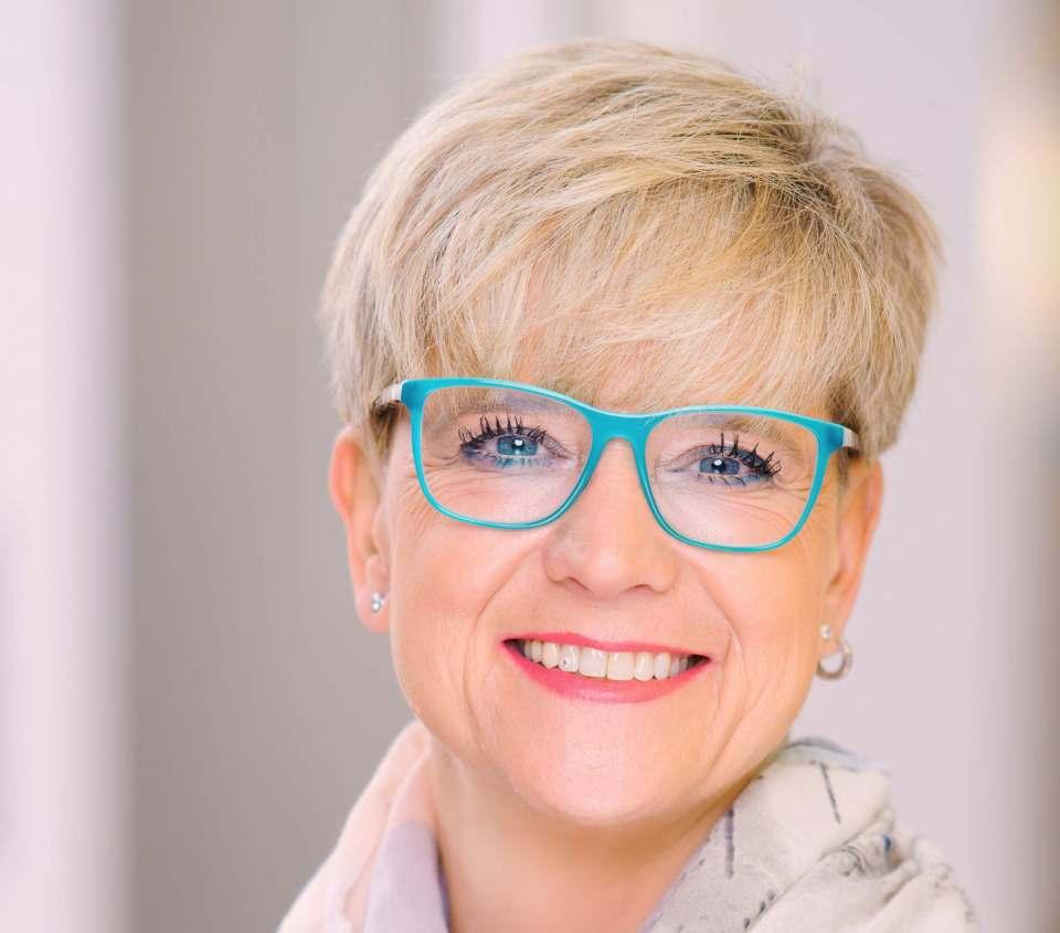 """""""Zusammen mit meinen Teams vor Ort werde ich das KitchenAid-Business auf das nächste Level bringen und bei neuen Konsumenten die Faszination für die Lovebrand entfachen"""", Nicole Thiery (KitchenAid)."""