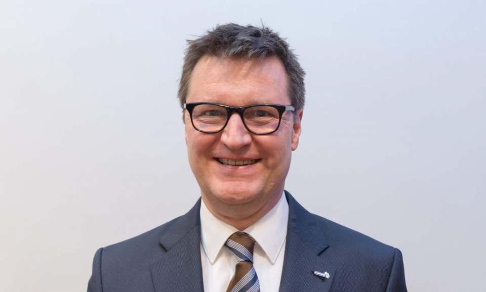 """""""Der Lockdown in der heißen Phase des Weihnachtsgeschäfts fordert uns maximal heraus"""", Frank Schipper, Vorsitzender Handelsverband Technik (BVT)."""
