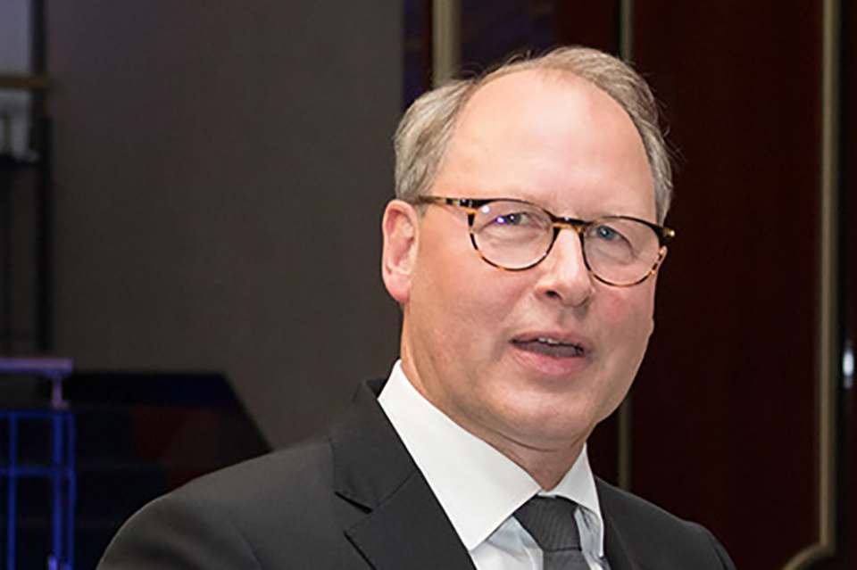 """""""Wir können nicht weiterhin spontan von einem Lockdown in den anderen stolpern"""", sagt HDE-Hauptgeschäftsführer Stefan Genth."""