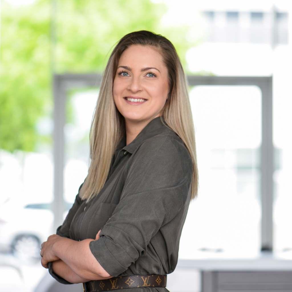 """""""Ich bin großer Fan der coolen und lebendigen Premium-Welt, die wir mit AEG zeigen"""", Katharina Klaus, Produktmanagerin Taste bei Electrolux."""