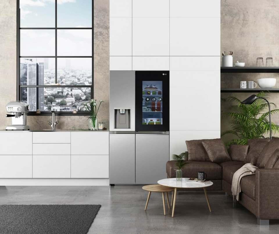 Mit InstaView Door-in-Door und UVnano bieten die neuen LG-Geräte bessere Hygiene, edlen Stil sowie die bewährten Frischhaltetechnologien.
