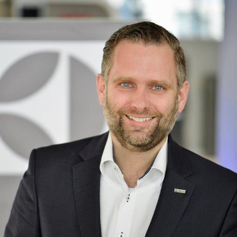 """""""Ich finde es gut, dass wir zeigen, wie attraktiv sich Innovation und Verantwortungsbewusstsein darstellen können"""", Martin Rode, Vertriebsmitarbeiter im Außendienst für den Möbelhandel."""