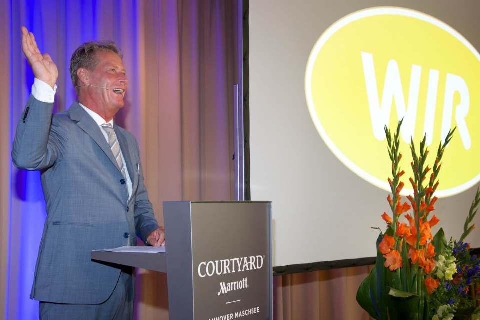 """""""Ziel ist es, für jedes Produkt auch den passenden Service oder die passende Dienstleistung anzubieten"""", so Wolfgang Hanses."""