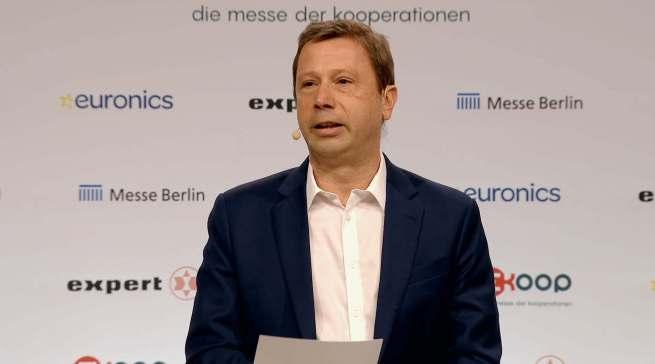 """""""Der Start der KOOP zeigt, dass sowohl die Hersteller als auch der kooperierte Fachhandel nach vorne schauen und sich auf die Öffnung nach dem Lockdown vorbereiten"""", Jens Heithecker (Executive Vice President Messe Berlin Group)."""