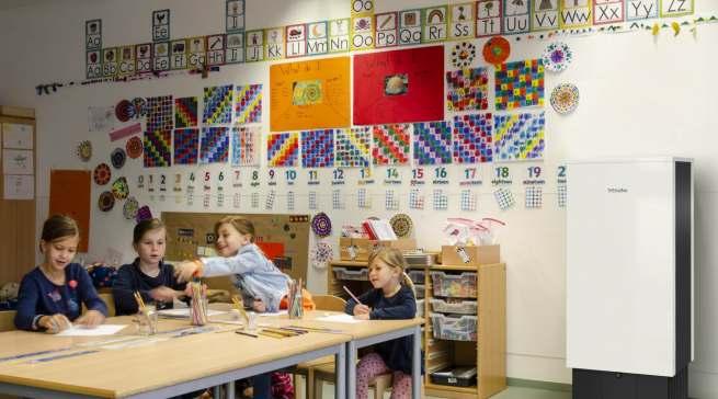 Zum Schutz gegen Corona in Schulen, Kitas, Läden und Büros: Den Luftreiniger Miele AirControl produziert der Familienkonzern seit diesem Februar im Werk Lehrte.