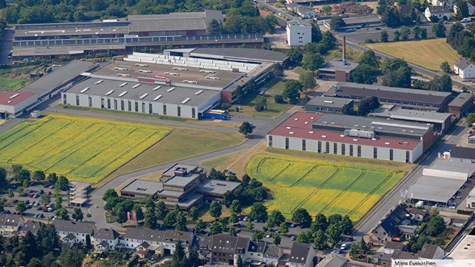 Im Miele Werk in Euskirchen stehen 206 Mitarbeiter unter Quarantäne. Foto: Miele