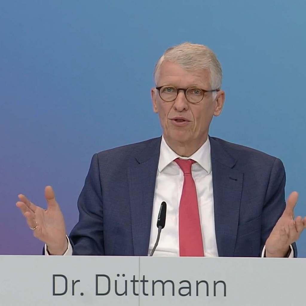 """""""Ein historischer Schritt für das Unternehmen"""", Ceconomy CEO Dr. Bernhard Düttmann."""