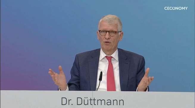 """""""Wir sind als Online-Player lange Zeit unterschätzt worden"""", Ceconomy-CEO Dr. Bernhard Düttmann."""