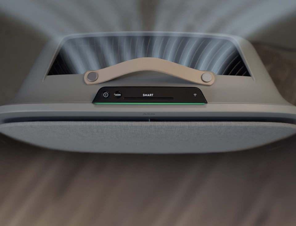 AEG AX7 Luftreiniger mit 5-stufigem Filtersystem.