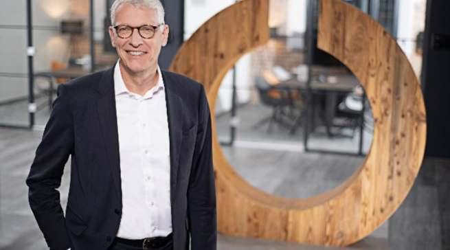 """""""Ferran Reverter hat zu der Transformation des Unternehmens einen wesentlichen Beitrag geleistet"""", Ceconomy-CEO Dr. Bernhard Düttmann."""