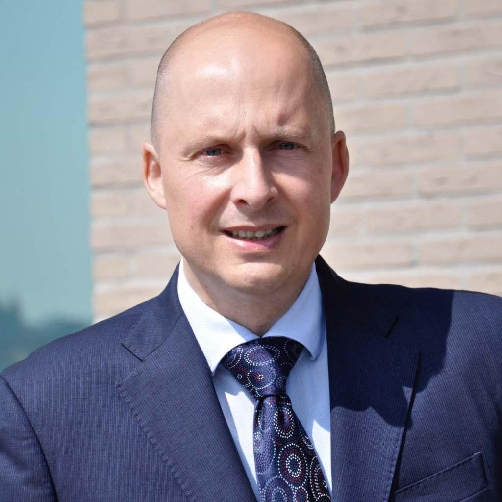 """""""Es kann nicht sein, dass das ohnehin extrem langsame Impf- und Schnelltesttempo zur Auslösung der Notbremse führt und es erneut zur Schließung des Fachhandels kommt"""", Christian Haeser, Geschäftsführer des HWB."""