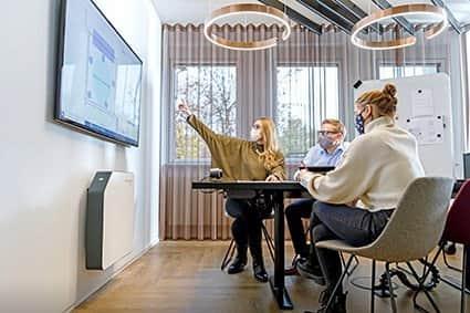 Etwa 40 dB Geräuschpegel sind leise genug, um auch in Bildungseinrichtungen und Büros zu arbeiten.