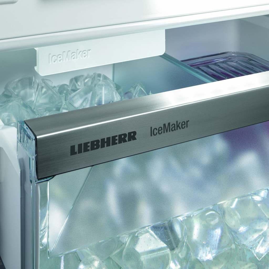 """Für den eisgekühlten Genuss: Der """"IceMaker"""" produziert auf Wunsch bis zu 130 Eiswürfel täglich"""