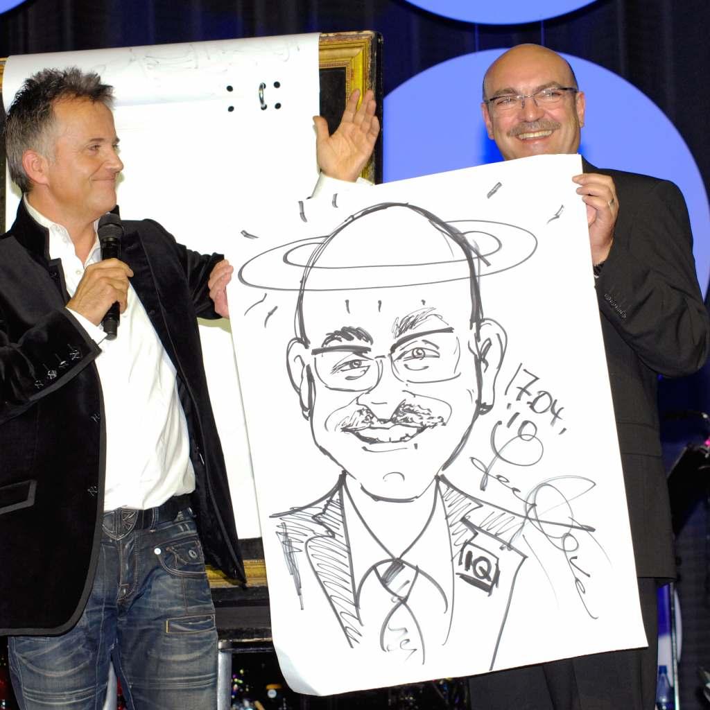 Auf den Punkt getroffen: Komiker und Parodist Jörg Knör (l.) malte Franz Schnur im Jahr 2010.