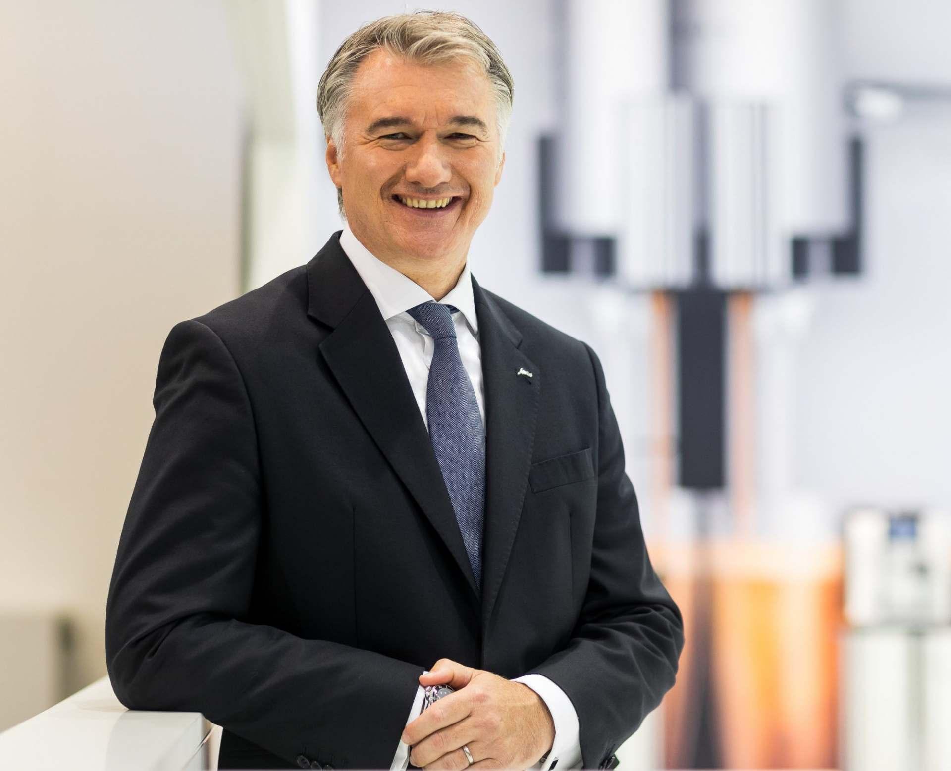 Host Nikolaus, Geschäftsführer der Jura Elektrogeräte Vertriebs-GmbH