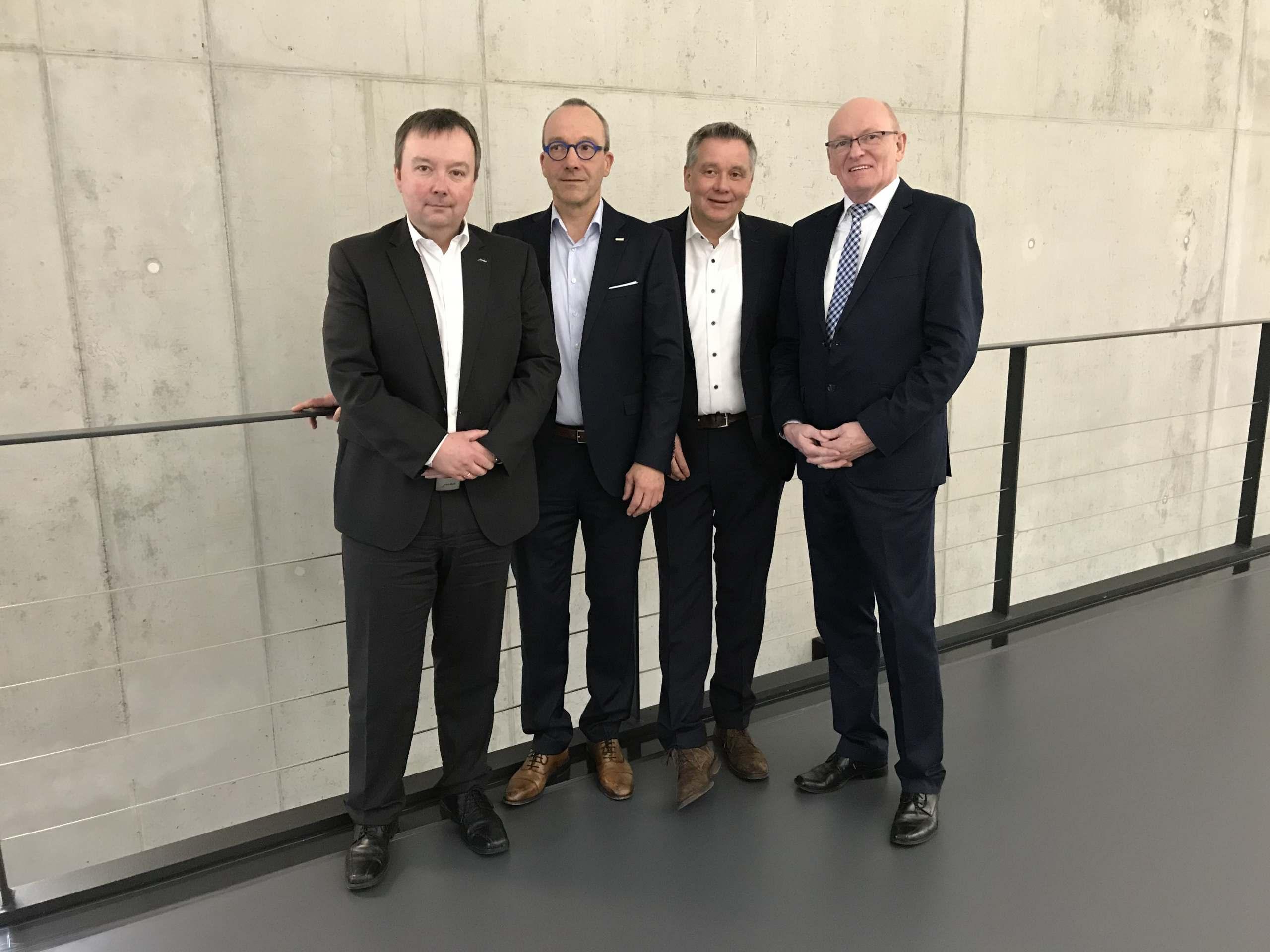 Der Vorstand von ProBusiness wünscht zusammen mit seinen Mitgliedern Franz Schnur für die Zukunft alles Gute.
