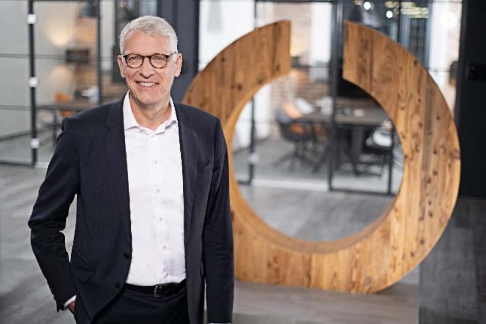 """""""Wir haben viel Potential. In unserem Transformationsprozess sind wir trotz massiver staatlich verordneter Einschränkungen weiterhin auf Kurs"""", Ceconomy-CEO Dr. Bernhard Düttmann."""